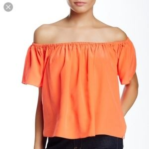 TOWNSEN - NWT Off the Shoulder Silk Hawi Top